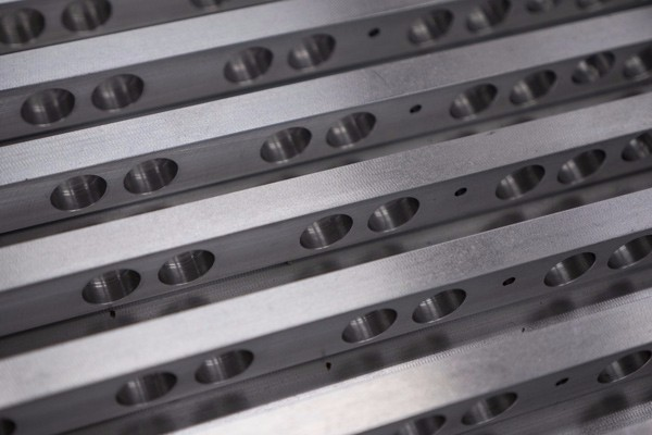 Line-of-Combs